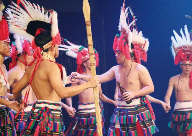 阿美族-〈豐年祭〉祭儀表演.png
